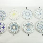 Energijski podstavki z motivi svete gometrije